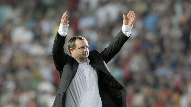 Trenér Plzně Pavel Vrba se raduje z postupu do Ligy mistrů.