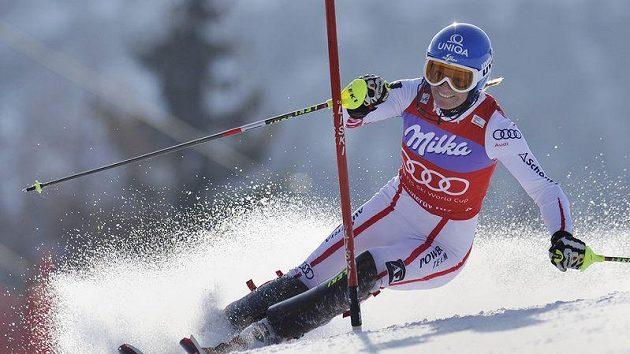 Rakouská lyžařka Marlies Schildová během slalomu ve Špindlerově Mlýně