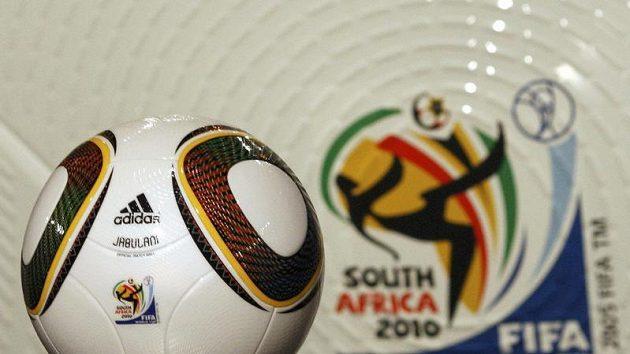Oficiální míč Jabulani od firmy Adidas pro fotbalové MS v Jihoafrické republice