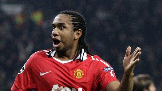 Anderson v dresu Manchesteru United se raduje z branky.