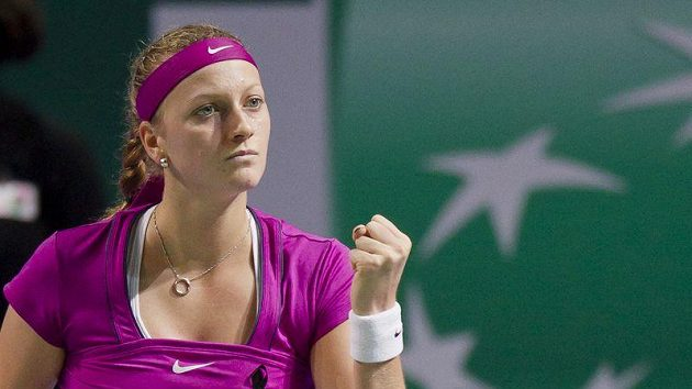 Petra Kvitová a její vítězné gesto v úvodním utkání Turnaje mistryň v Istanbulu.