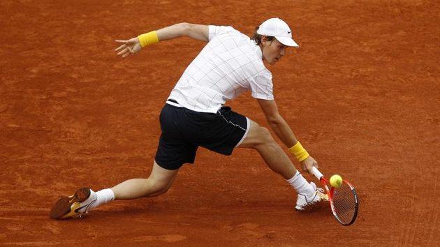 Tomáš Berdych v utkání s Andy Murraym na Roland Garros.