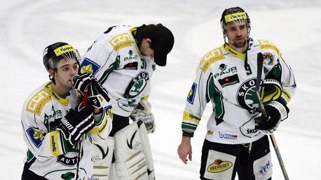 Zklamání hokejistů Mladé Boleslavi po porážce od Zlína.