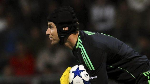 Brankář Chelsea Petr Čech opět vychytal čisté konto.