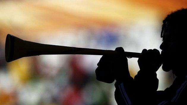Prokletá trubka vuvuzela v ústech jihoafrického fanouška
