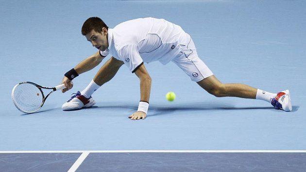 Novak Djokovič utrpěl na Turnaji mistrů překvapivou porážku.