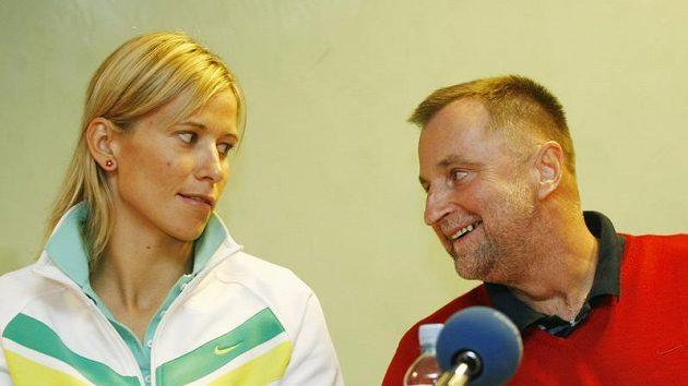 Česká basketbalistka Ivana Večeřová a trenér Lubor Blažek
