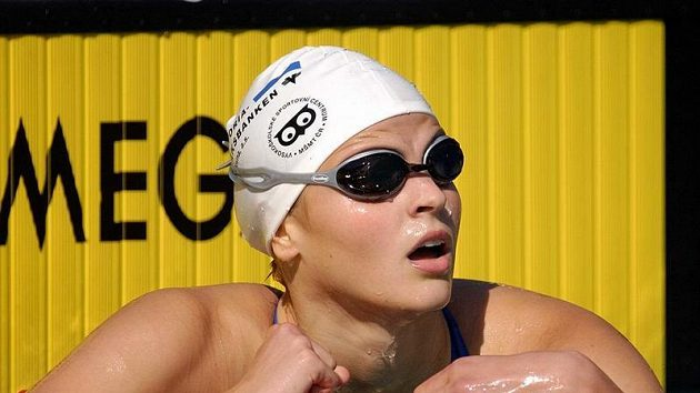 Plavkyně Simona Baumrtová v Debrecínu perlí.