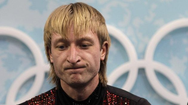 Ruský krasobruslař Jevgenij Pljuščenko po volné jízdě na olympijských hrách ve Vancouveru.