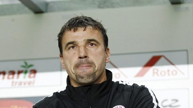 Trenér Slavie Michal Petrouš.