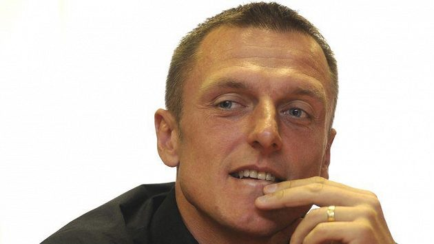 Trenér fotbalistů pražské Dukly Luboš Kozel.
