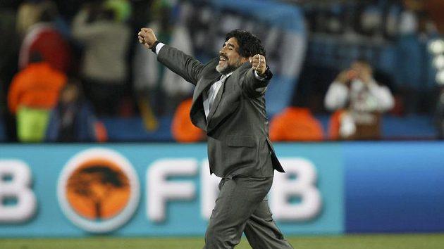 Radost argentinského trenéra Diega Maradony