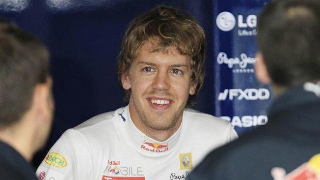 Spokojený pilot stáje Red Bull Sebastian Vettel po vydařených trénincích na GP Japonska.