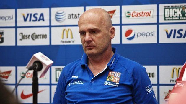 Trenér fotbalové reprezentace Michal Bílek na tiskové konferenci