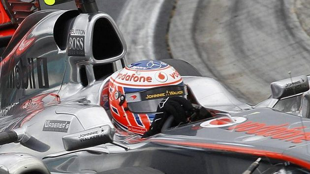 Jenson Button, pilot stáje McLaren, na trati Grand Prix Maďarska.