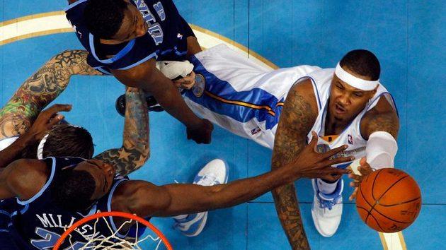 Výkon Akkariho by se neztratil ani ve slavné NBA