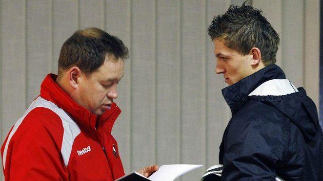 Trenér CSKA Leonid Sluckij a český legionář Tomáš Necid, který pod ním v Rusku působil.