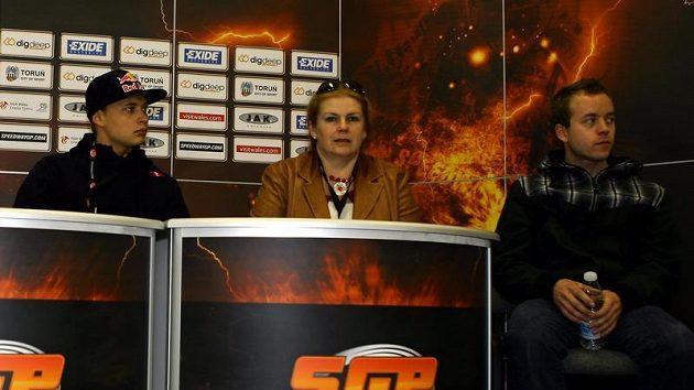 Rus Emil Sajfutdinov (vlevo), jeden ze členů vítězné ruské sestavy z MS družstev na ploché dráze.