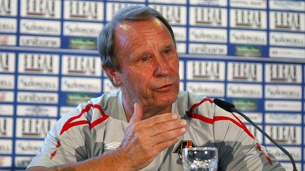 Německý trenér Ázerbajdžánu Berti Vogts
