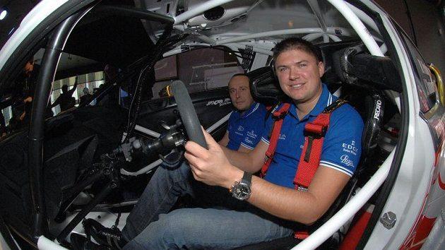 Martin Prokop (vpravo) a Jan Tománek (vlevo) ve Fordu Fiesta RS WRC pro MS v rallye 2012.