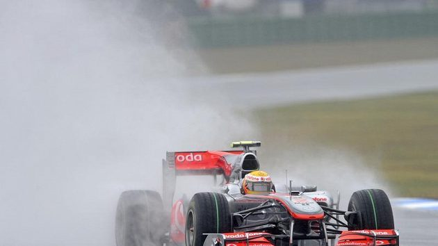 McLaren Lewise Hamiltona krátce před nehodou.