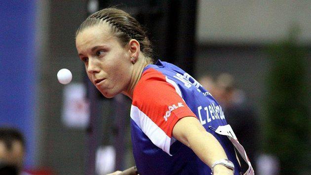 Iveta Vacenovská při utkání s Veronikou Pavlovičovou z Běloruska.