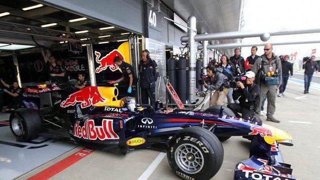 Mark Webber při tréninku na GP Velké Británie