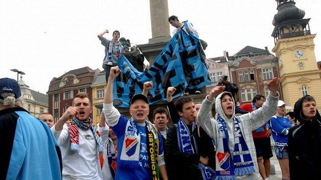 Fanoušci Baníku manifestovali v Ostravě proti stěhování do Vítkovic.