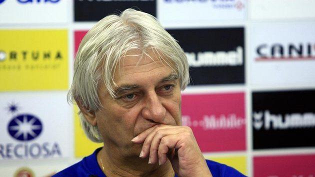 Trenér fotbalistů Slovanu Liberec Ladislav Škorpil si zamluvil dovolenou u Uhrinova táty.