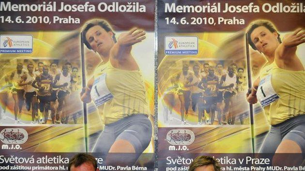 Největší opora české reprezentace na budapešťském ME družstev oštěpařka Barbora Špotáková a šéftrenér českého týmu Tomáš Dvořák.