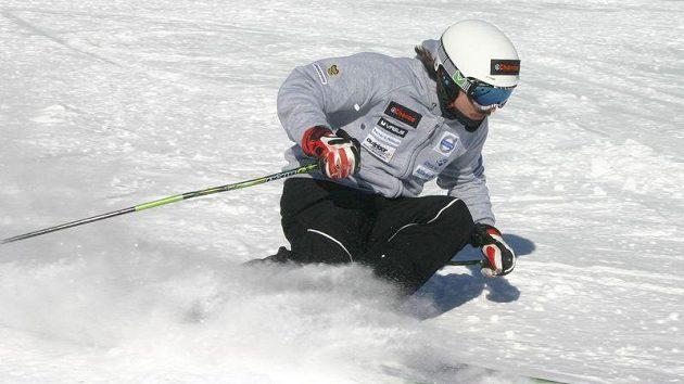 Lyžař Ondřej Bank na tréninku