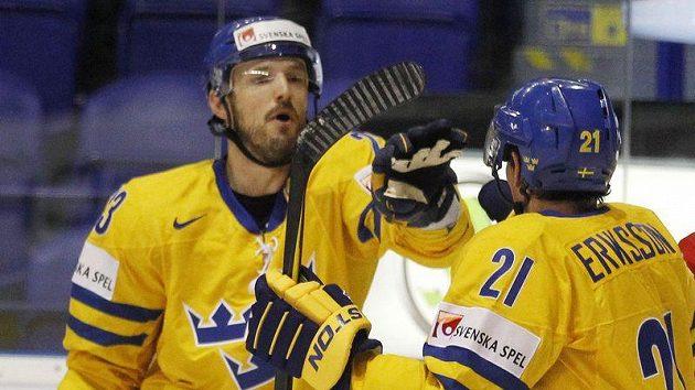 Niklas Persson (vlevo) se švédským spoluhráčem Erikssonem