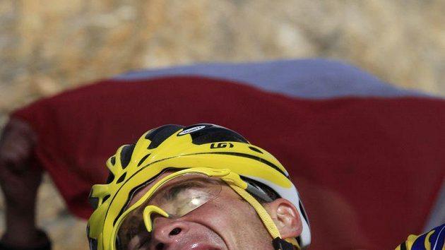 Thomas Voeckler si ve čtvrtek udržel žlutý trikot jen silou vůle.