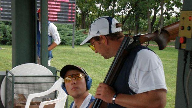 Jakub Tomeček (vlevo) naslouchá radám zkušenějšího Jana Sychry velmi dobře.