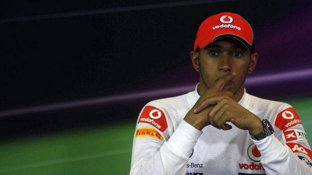 Britský pilot stáje McLaren Lewis Hamilton