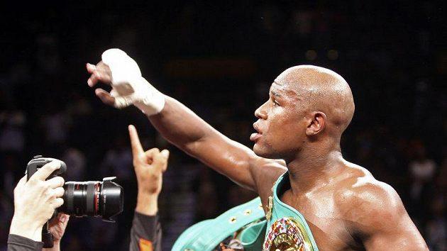 Floyd Mayweather po vítězství v Las Vegas.