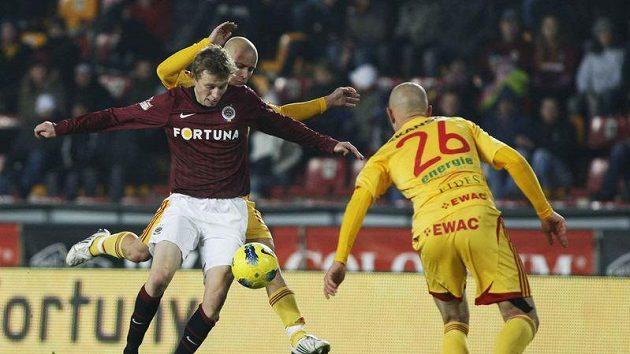 Sparťan Ladislav Krejčí si v pohárovém zápase vykloubil rameno.