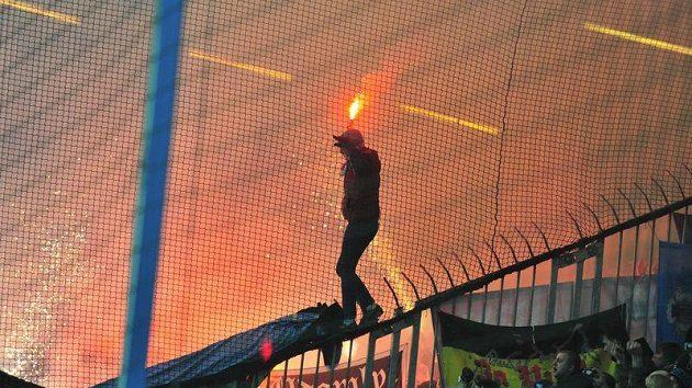 Fanoušci Spartaku Moskva při utkání Ligy mistrů na hřišti Žiliny.