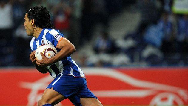 Kolumbijec Radamel Falcao nasázel v úvodním semifinále Evropské ligy čtyři góly.