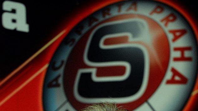 Trenér fotbalistů Sparty Jozef Chovanec se dočkal vydřené výhry.