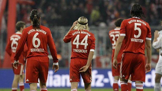 Fotbalisté Bayernu Mnichov smutně odcházejí do kabin