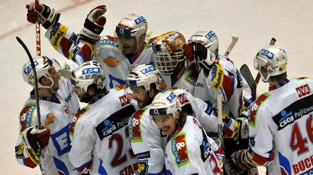 Radost pardubických hokejistů v semifinále s Libercem.