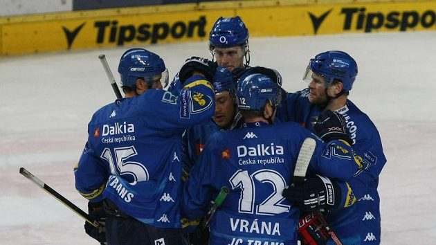 Radost hokejistů Vítkovic z branky