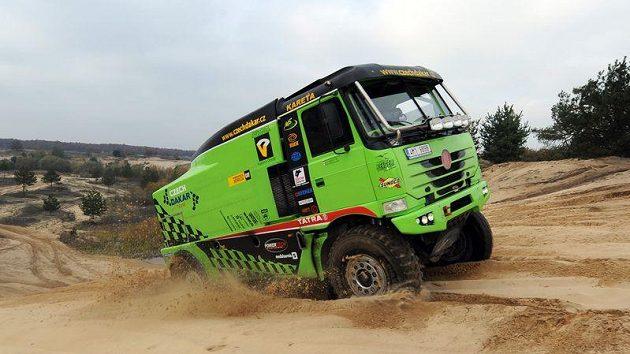 Závodní speciál vozu Tatra Czech Dakar Teamu při testech v Senici.