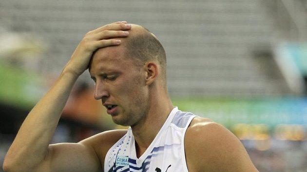 Když překážkář Petr Svoboda nedosáhl v Barceloně na jednu z medailí, zmocnil se ho smutek.