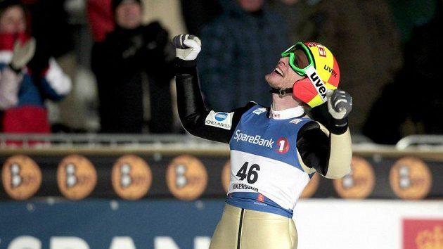 Radost norského skokana na lyžích Johana Remena Evensena