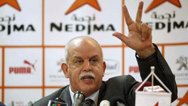 Alžířan Rabah Saadane, jedinný trenér afrického původu.