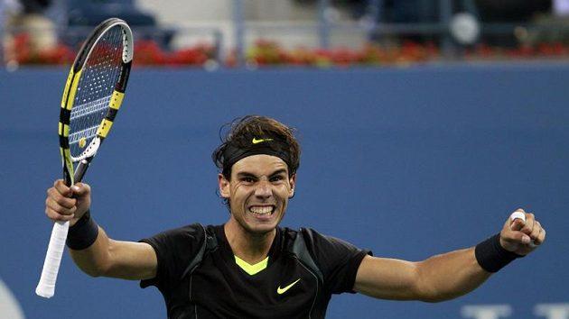 Španělský tenista Rafael Nadal se raduje z postupu do semifinále US Open.