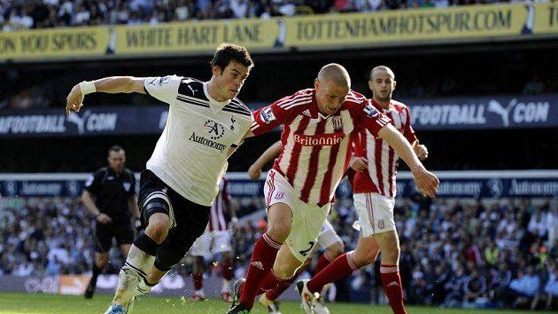 Gareth Bale (vlevo) byl zvolen nejlepším hráčem roku v Anglii.