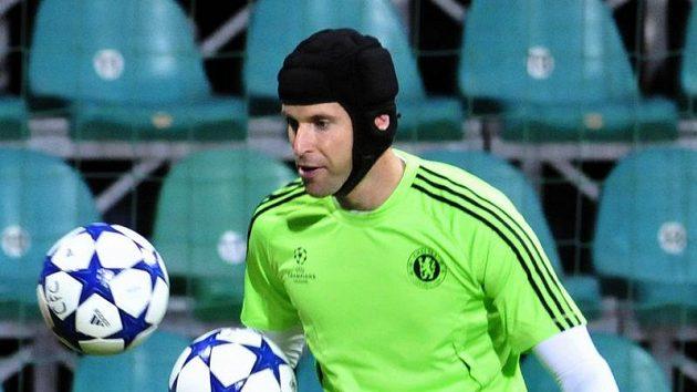 Brankář Petr Čech na tréninku fotbalistů Chelsea